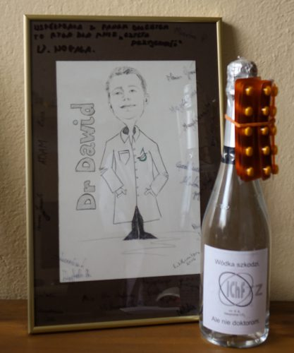 A signed picture and the traditional Docentówka for the new doctor.